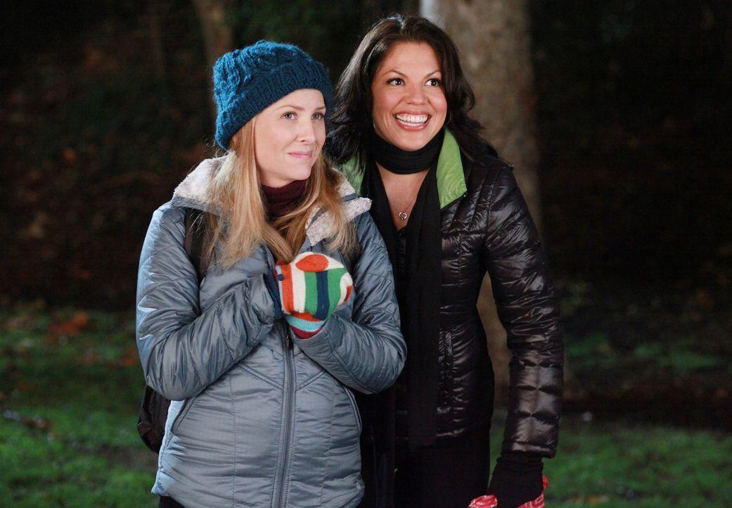 Ein romantischer Abend wartet auf Callie (Sara Ramirez, r.) und Arizona (Jessica Capshaw, l.) ... - Bildquelle: ABC Studios