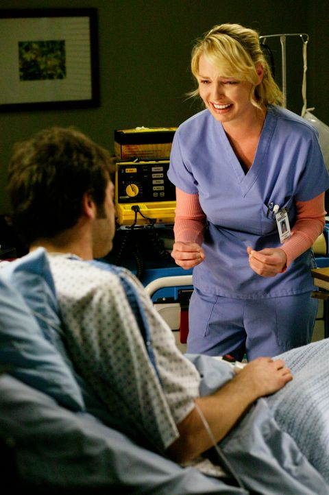 Als Izzie (Katherine Heigl, r.) erfährt, dass es Probleme mit dem Spenderherz für Denny (Jeffrey Dean Morgan, l.) gibt, gerät sie in Panik und triff... - Bildquelle: Touchstone Television