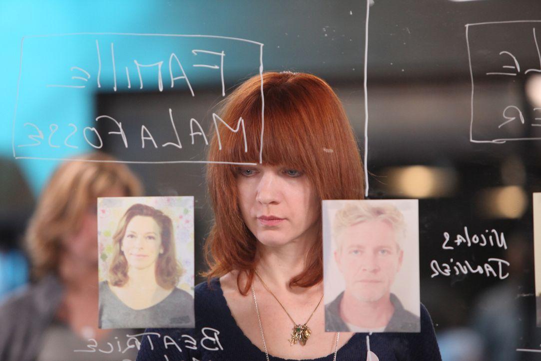 Ermittelt in einem neuen Mordfall: Chloé (Odile Vuillemin) ... - Bildquelle: Xavier Cantat 2011 BEAUBOURG AUDIOVISUEL / Xavier Cantat