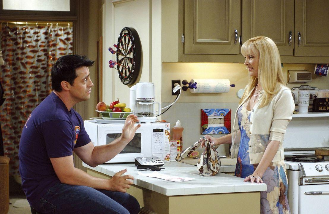 Phoebe (Lisa Kudrow) und Joey (Matt LeBlanc) arrangieren sich gegenseitig Blind Dates. Und für Joey ist auch schon gesorgt. Jetzt muß er sich ranh... - Bildquelle: TM+  2000 WARNER BROS.