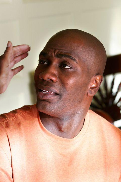 Wird Caleb (NaShwan Kearse) endlich aus dem Keller ziehen dürfen? - Bildquelle: 2005 Touchstone Television  All Rights Reserved