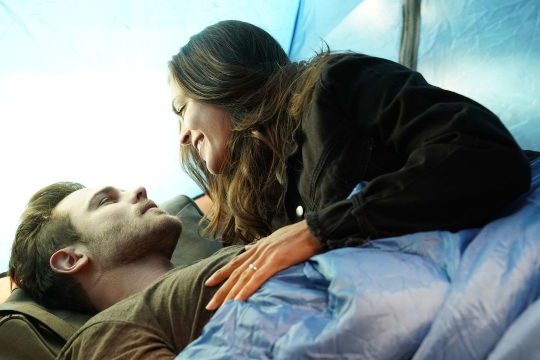 Jack Gibson (Grey Damon, l.); Eva Vasquez (Kelly Thiebaud, r.) - Bildquelle: Mitch Haaseth 2020 American Broadcasting Companies, Inc. All rights reserved. / Mitch Haaseth