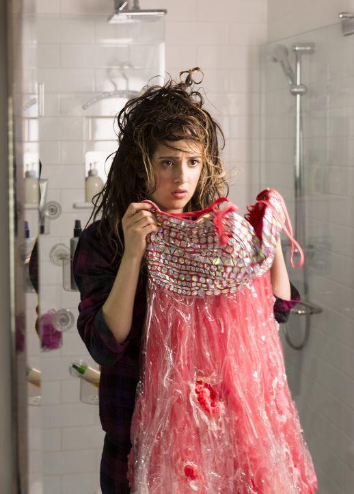 Für Monica (Laura Marano) kann der Tag nicht mehr schlimmer werden: Ein Bad Hair Day am Tag ihres Abschlussballes und dann steht plötzlich die Poliz... - Bildquelle: Touchstone Television
