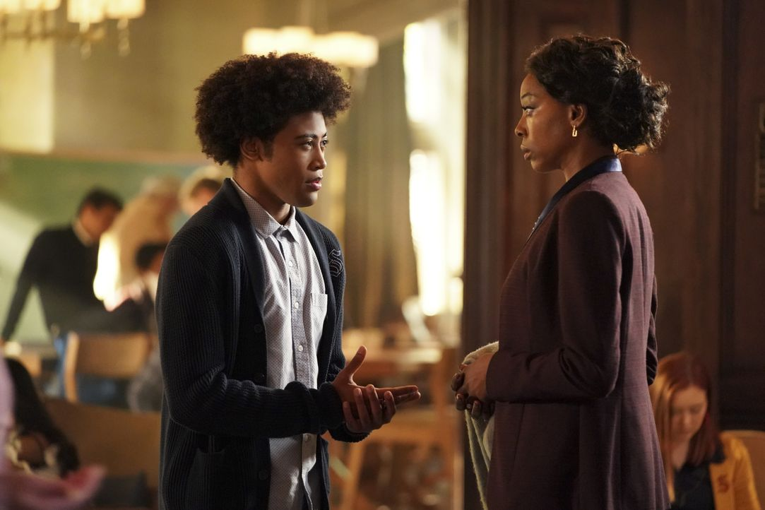 MG (Quincy Fouse, l.); Veronica Greasley (Erica Ash, r.) - Bildquelle: Quantrell Colbert 2019 The CW Network, LLC. All rights reserved. / Quantrell Colbert