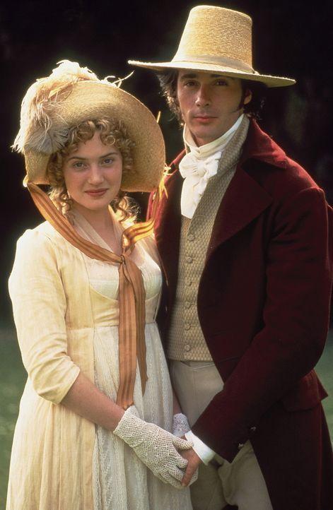 Der draufgängerische John Willoughby (Greg Wise, r.) hat das Herz von Marianne Dashwood (Kate Winslet, l.) im Sturm erobert, doch seine Absichten s... - Bildquelle: Columbia Pictures