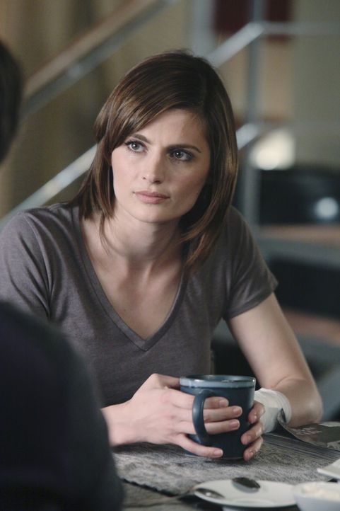 Kate Beckett (Stana Katic) nimmt Richards Angebot, vorübergehend bei ihm einzuziehen gerne an. - Bildquelle: ABC Studios