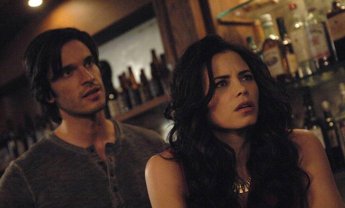 Freya (Jenna Dewan-Tatum, r.) gibt Killian (Daniel DiTomasso, l.) die Schuld dafür, dass ihre Beziehung zu Dash gescheitert ist ... - Bildquelle: 2013 Lifetime Entertainment Services, LLC. All rights reserved.