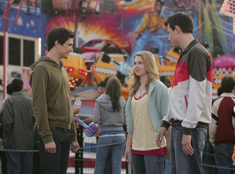 Charlie (Cory Monteith, r.), Amanda (Kirsten Prout, M.), Kyle (Matt Dallas, l.) Lori, Declan und Josh verbringen einen Tag am Rummel ... - Bildquelle: TOUCHSTONE TELEVISION