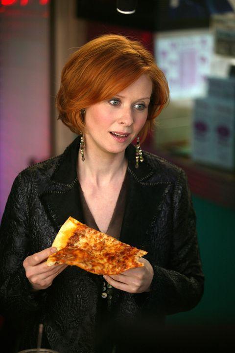 """Seit der Trennung von Steve findet Miranda (Cynthia Nixon) Trost in ihrem digitalen Aufnahmegerät """"TiVo"""". Eines Tages jedoch gibt dieses den Geist... - Bildquelle: Paramount Pictures"""