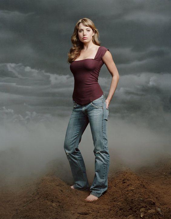 (4. Staffel) - Nachdem sie entdeckt, dass das Grab leer ist, macht sich Lois (Erica Durance), gemeinsam mit Clark, auf die Suche nach Chloe ... - Bildquelle: Warner Bros.
