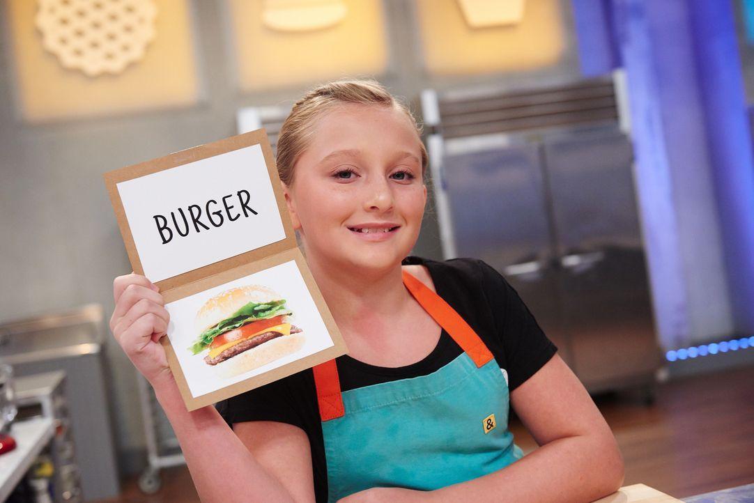 """Als Natalie erfährt, dass sie einen """"Burger"""" backen soll ist sie nicht sofort begeistert. Wie wird sie sich in der Challenge schlagen? - Bildquelle: Eddy Chen 2014, Television Food Network, G.P. All Rights Reserved"""