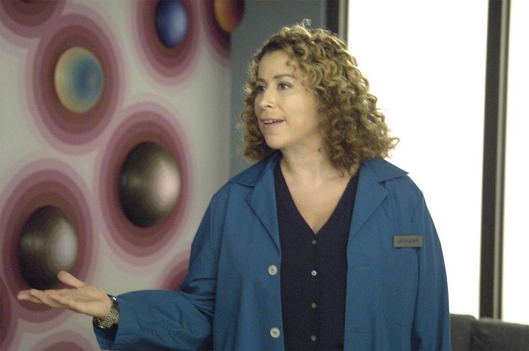 Ist überrascht, Christian beim Sexspiel im Internet zu sehen: Liz (Roma Maffia) ... - Bildquelle: TM and   2004 Warner Bros. Entertainment Inc. All Rights Reserved.