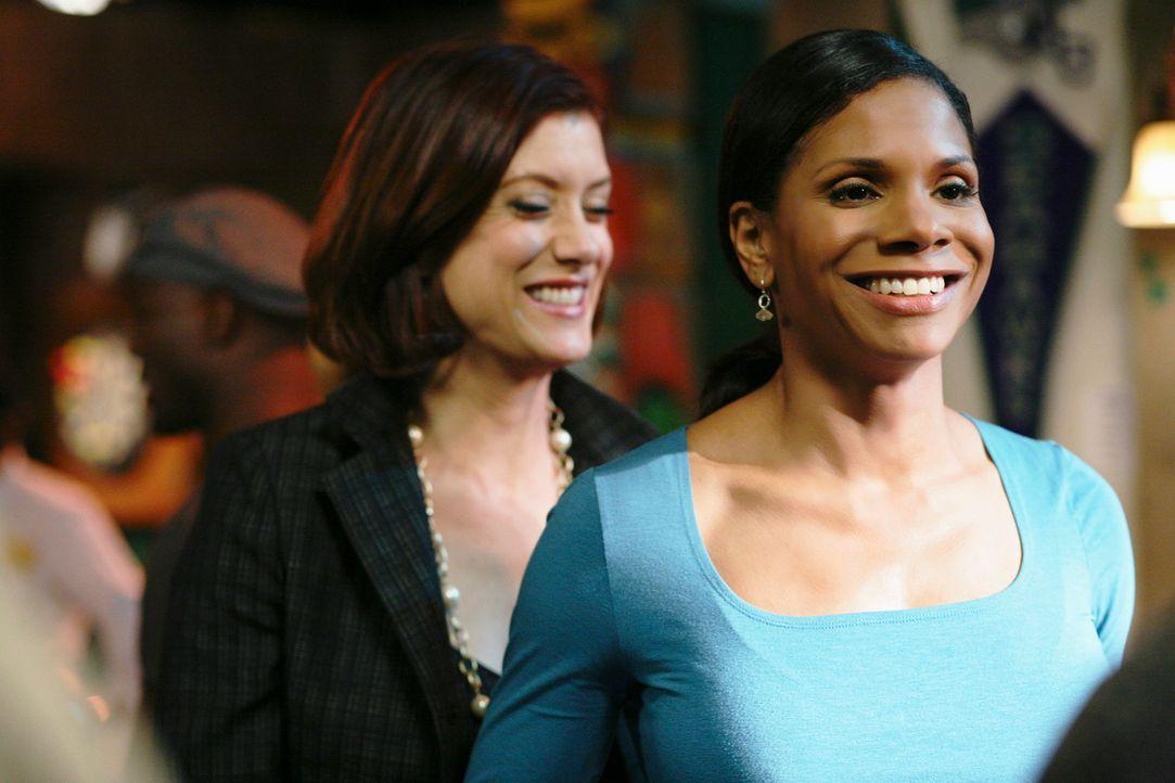 Sind erleichtert, dass die OP an Archer erfolgreich war: Addison (Kate Walsh, l.) und Naomi (Audra McDonald, r.) ... - Bildquelle: ABC Studios
