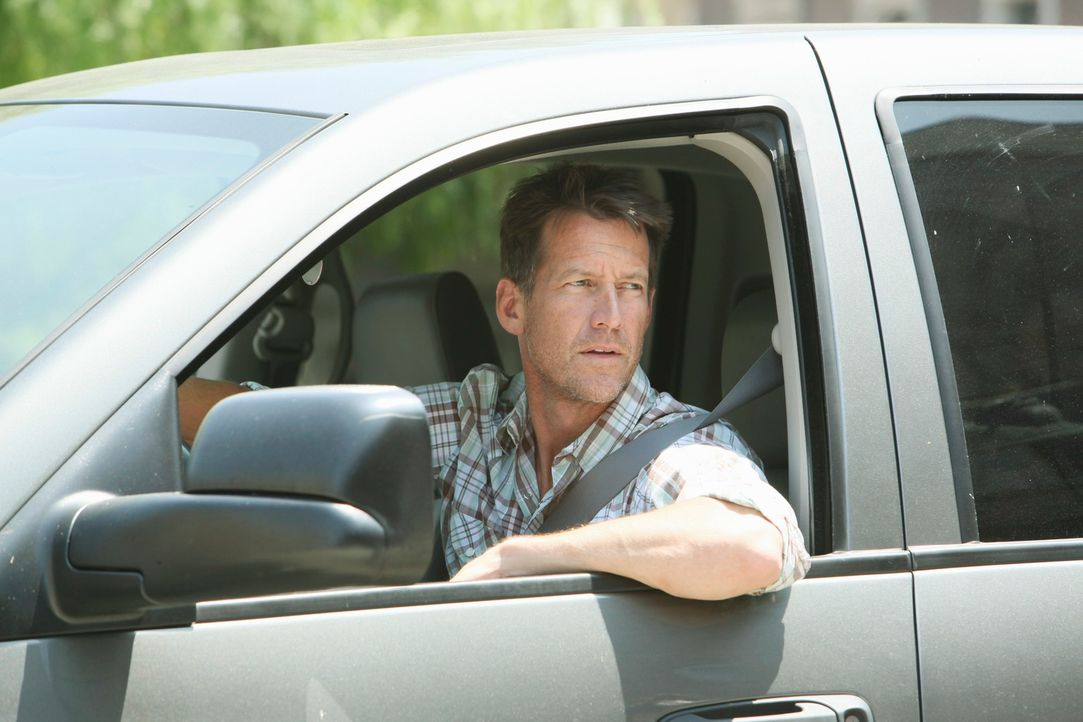 Während Bree und Gabrielle versuchen herauszufinden, ob Chuck irgendetwas von ihrem Geheimnis ahnt, wird Mike (James Denton) misstrauisch, da Susan... - Bildquelle: ABC Studios