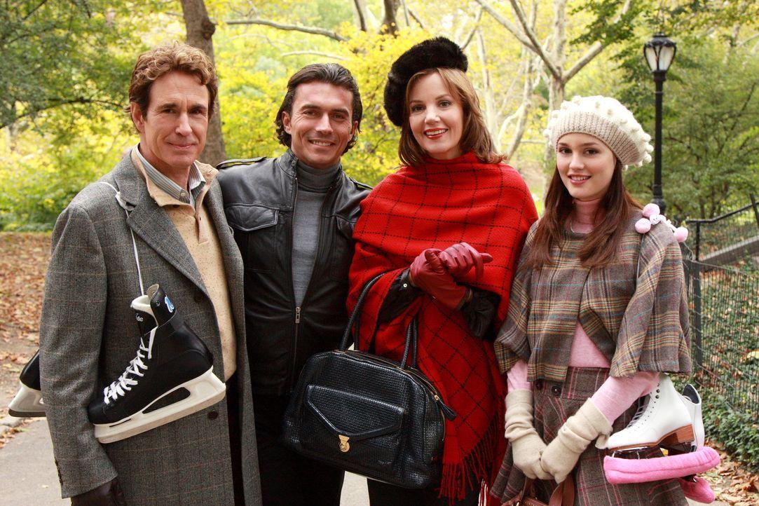 Der Schein vom trauten Familienglück trügt: Blair (Leighton Meester, r.), ihr Vater Harold (John Shea, l.) mit seinem Freund Roman (William Abadie... - Bildquelle: Warner Brothers