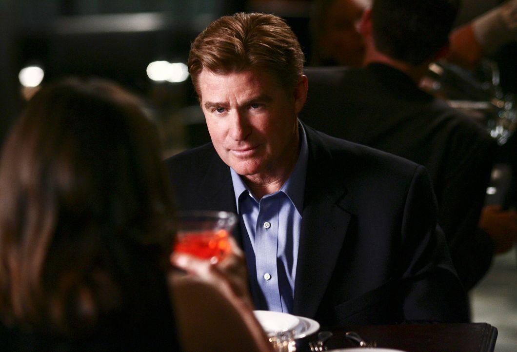 Nora (Sally Field, l.) findet Gefallen an David Morton (Treat Williams, r.), doch beruht das auf Gegenseitigkeit? - Bildquelle: Disney - ABC International Television