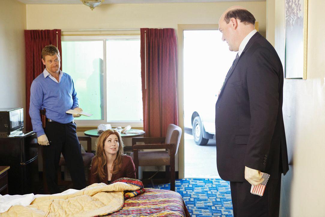 Ermitteln gemeinsam in einem neuen Mordfall: Megan (Dana Delany, M.), Peter (Nicholas Bishop, l.) und Bud Morris (John Carroll Lynch, r.) ... - Bildquelle: ABC Studios