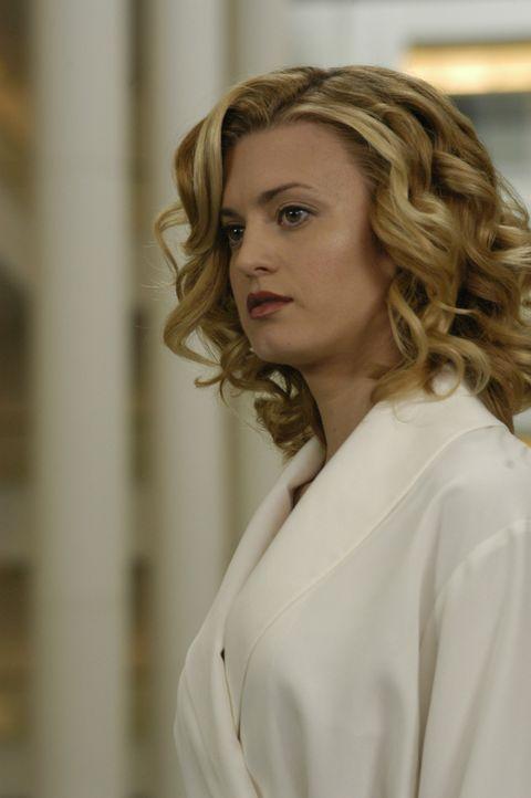 Kurz vor ihrer Hochzeit verstirbt das Model Deb (Brooke D'Orsay) bei einem Autounfall. Sie hatte eine große Karriere vor sich und kann sich aus ihr... - Bildquelle: 2009 Sony Pictures Television Inc. All Rights Reserved.