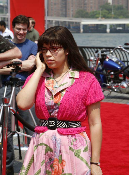 Als Betty Suarez (America Ferrera) Wilhelminas rechte Hand wird, ist sie darüber keineswegs erfreut. Sie will ihren Daniel zurückhaben ... - Bildquelle: 2008   ABC Studios