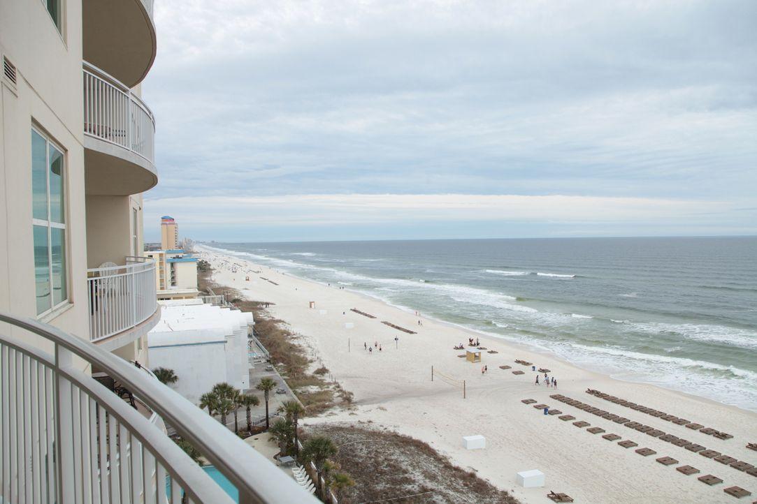 Kann Makler Tim French Brody und Gidget von einer Immobilie überzeugen, die in Panama City Beach liegt, obwohl sie eigentlich viel lieber in Destin... - Bildquelle: 2014, HGTV/Scripps Networks, LLC. All Rights Reserved.