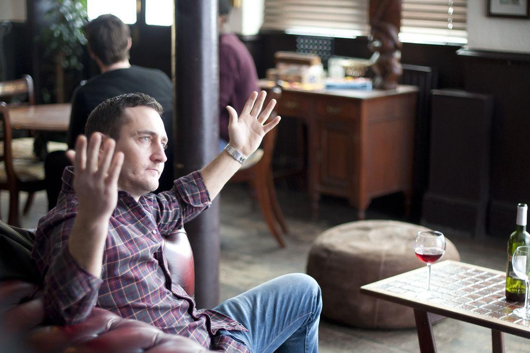 David (Will Mellor) traut sich zum ersten Mal an eine Online-Datingseite heran, stellt aber beim ersten Treffen schnell fest, dass er sich mit der s... - Bildquelle: 2013 Balloon Entertainment Limited.