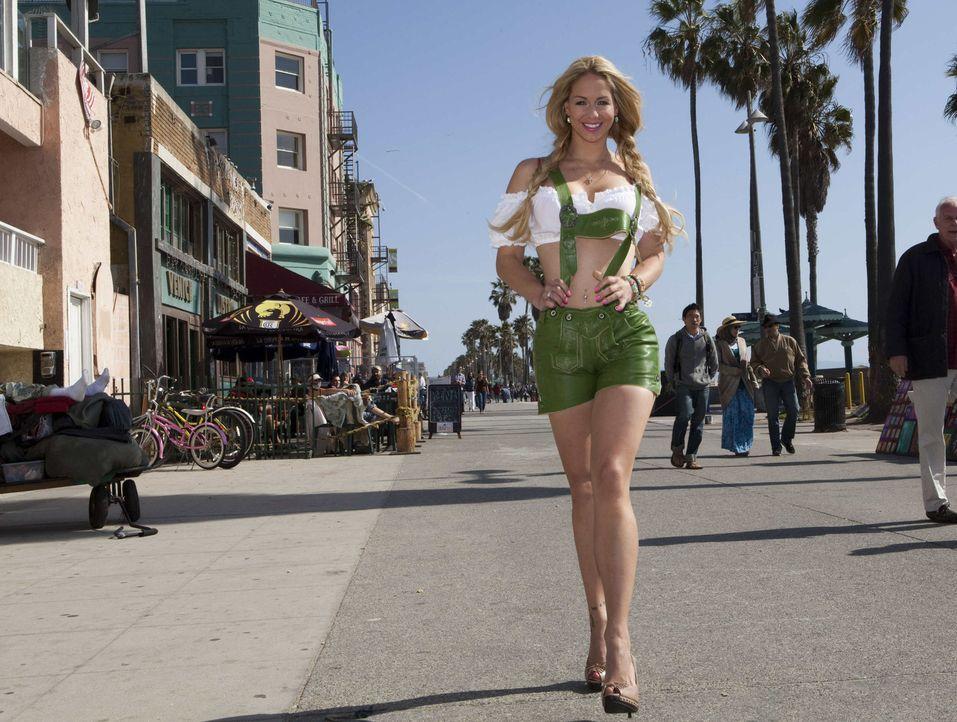 """Die junge Hollywood-Auswanderin Jill Kussmacher hat nun ihre eigene Personality-Soap auf """"sixx"""". - Bildquelle: Kaveh Kasravi sixx"""