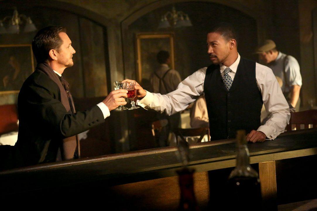 Allianz zwischen Mikael und Marcel? - Bildquelle: Warner Bros. Entertainment Inc.