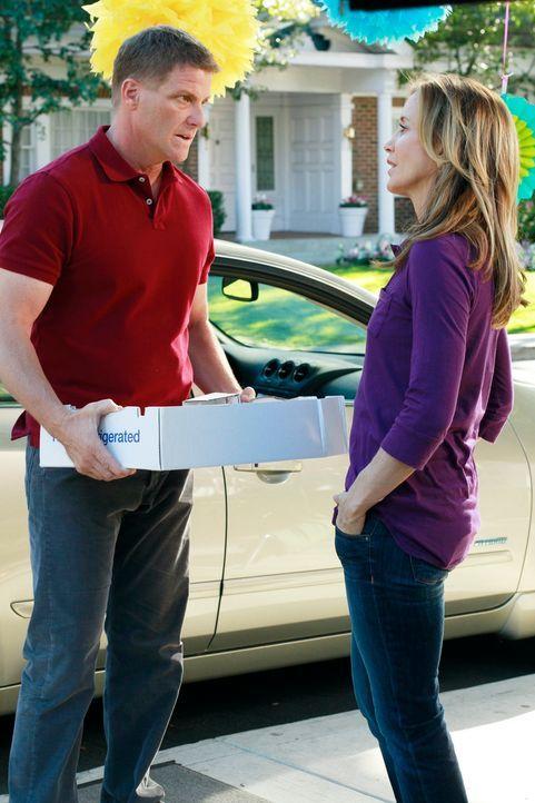 Lynette (Felicity Huffman, r.) erfährt von Jane, dass sie und Tom (Doug Savant, l.) zusammenziehen. Wutentbrannt zeigt sie Jane, was sie von ihr häl... - Bildquelle: Touchstone Pictures
