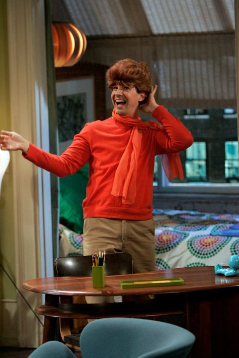 Jack (Sean Hayes) versucht alles, damit er aus Grace eine gute Tochter macht ... - Bildquelle: NBC Productions