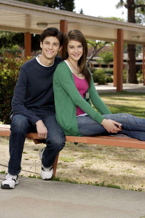(1. Staffel) - Bleibt Ben (Kenny Baumann, l.) trotz des immer größer werdenden Bauches bei der hübschen Amy (Shailene Woodley, r.)? - Bildquelle: ABC Family