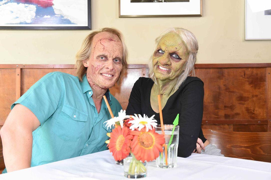 Kann Bella (r.) als alte Frau Frankenstein Tobias (l.) von sich überzeugen? - Bildquelle: Andre Kowalski sixx