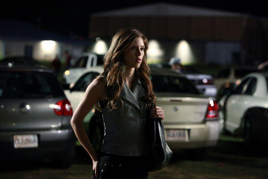 Befindet sich in großer Gefahr: Vicki (Kayla Ewell) - Bildquelle: Warner Brothers