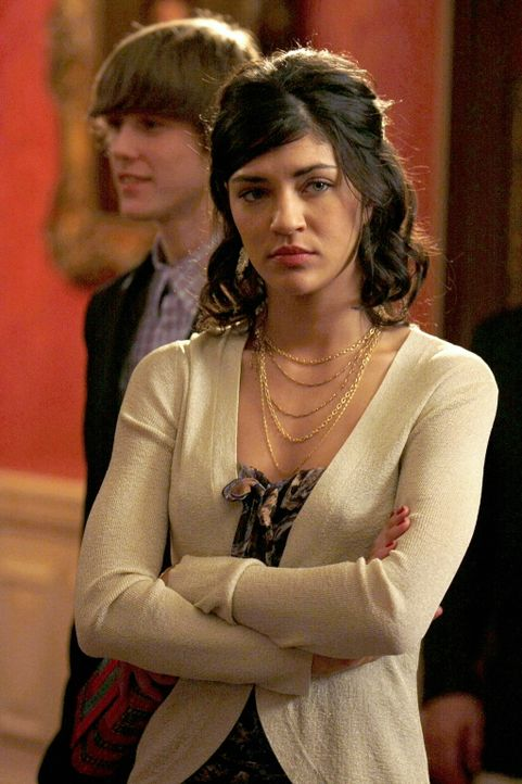Während Nate in den Schoss der Familie zurückfindet, muss Vanessa (Jessica Szohr) feststellen, das Nate sie seine rosigen Zukunftsaussichten hängen... - Bildquelle: Warner Brothers