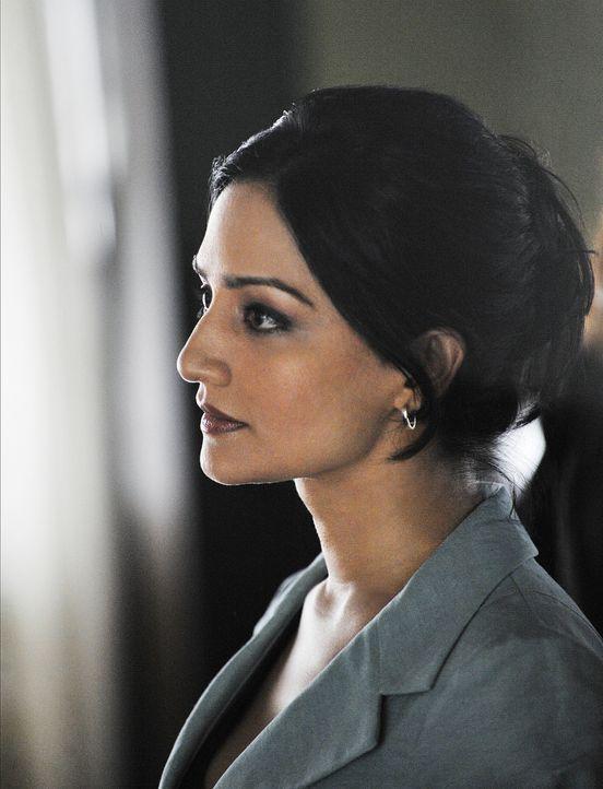 Unterstützt Alicia in ihrem neuen Fall: Kalinda (Archie Panjabi) ... - Bildquelle: CBS Studios Inc. All Rights Reserved.