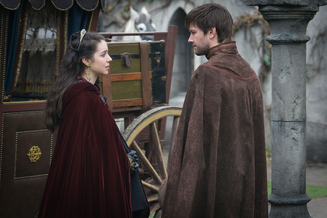 Die neusten Umstände am französischen Hofe bringen Mary (Adeleide Kane, l.) dazu, Sebastians (Torrance Coombs, r.) Angebot, sie nach Schottland zu b... - Bildquelle: Sven Frenzel 2016 The CW Network, LLC. All rights reserved.