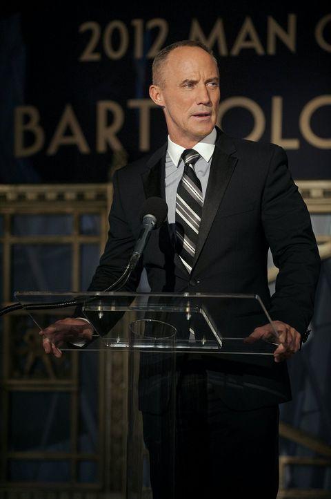 Nach einem Zusammentreffen mit Bart (Robert John Burke), ist Blair um Chucks Sicherheit besorgt ... - Bildquelle: Warner Brothers