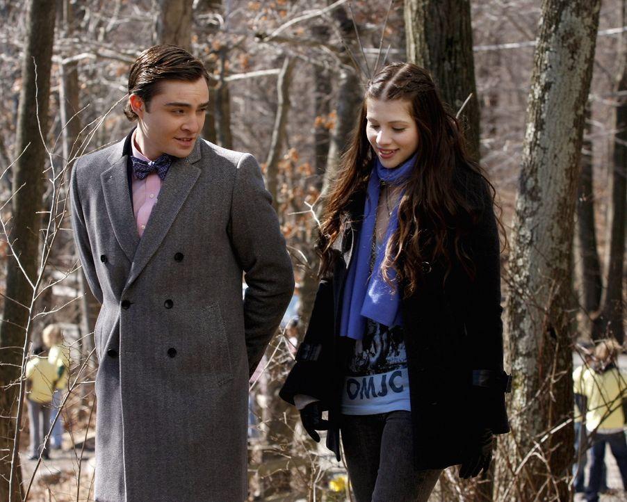 Chuck (Ed Westwick, l.) erhofft sich, von Georgina (Michelle Trachtenberg, r.) Infos über Gabriel zu bekommen. Und erfährt Schockierendes ... - Bildquelle: Warner Brothers