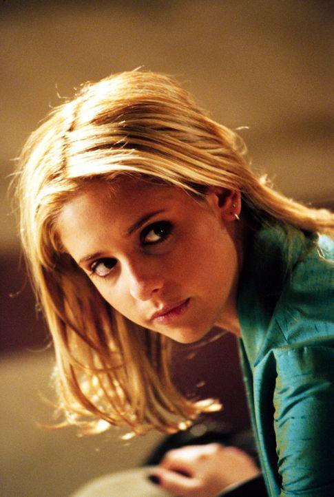Zur falschen Zeit am falschen Ort: Buffy (Sarah Michelle Gellar, r.) wird verdächtigt, Kendra getötet zu haben ... - Bildquelle: Twentieth Century Fox Film Corporation.