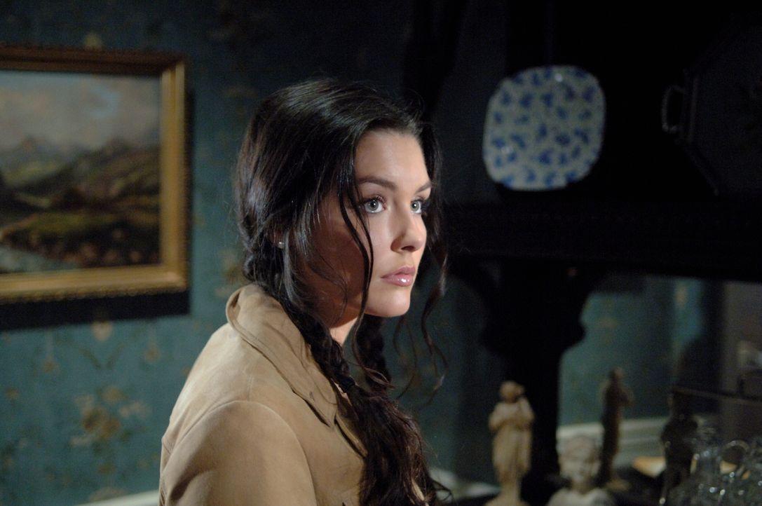 Findet Gefallen an Sam: Sarah (Taylor Cole) ... - Bildquelle: Warner Bros. Television
