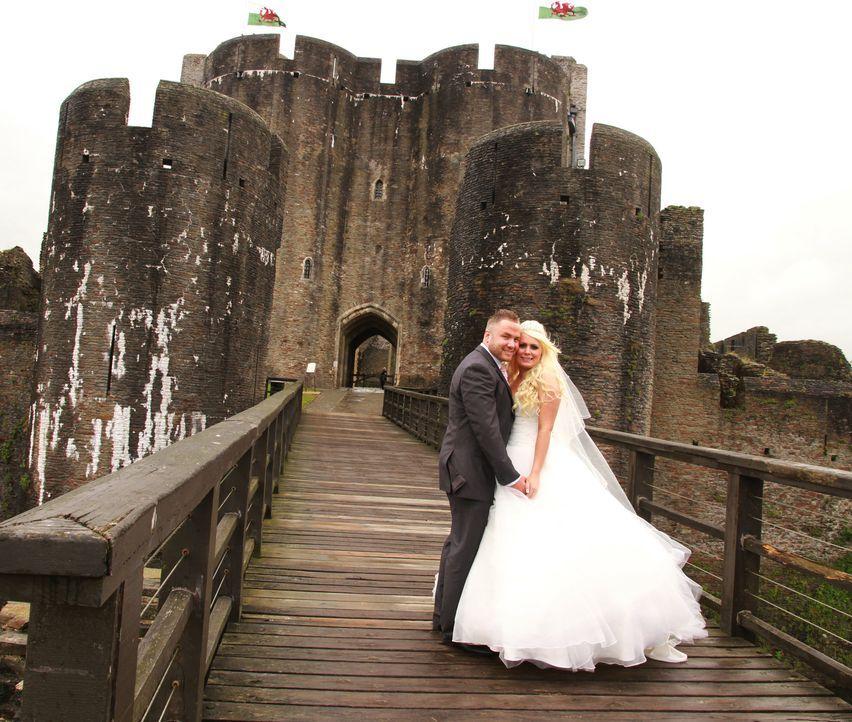 Kann Ben seine Braut Sarah mit seinen Hochzeitsplänen glücklich machen oder wird sie vorher Reißaus nehmen? - Bildquelle: Renegade Pictures Ltd