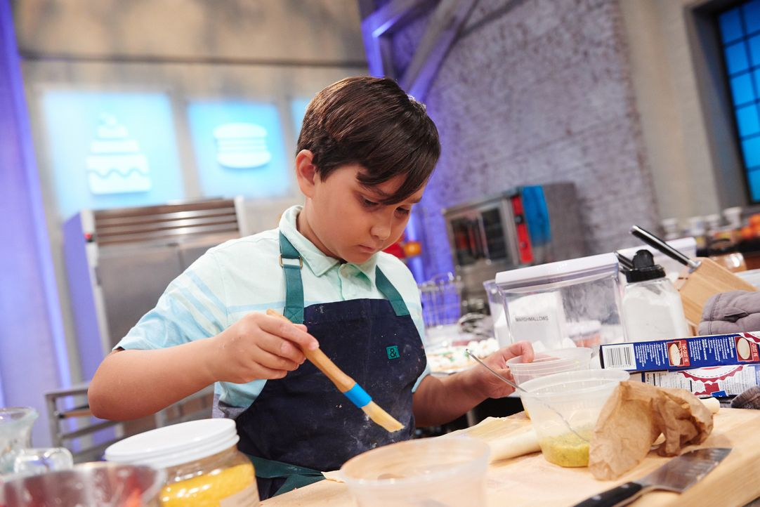 """Wie wird sich Payton als """"Pizza""""-Bäcker schlagen? - Bildquelle: Eddy Chen 2014, Television Food Network, G.P. All Rights Reserved"""