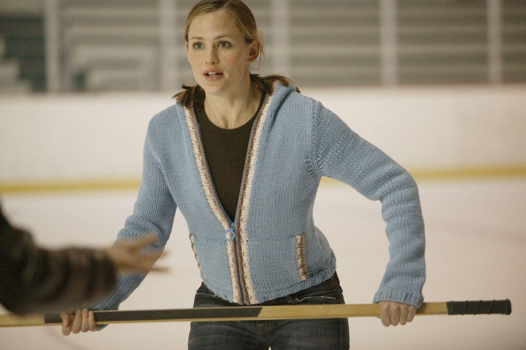 Bei ihrem neuen Auftrag muss Sydney (Jennifer Garner) nach Zürich ... - Bildquelle: Touchstone Television