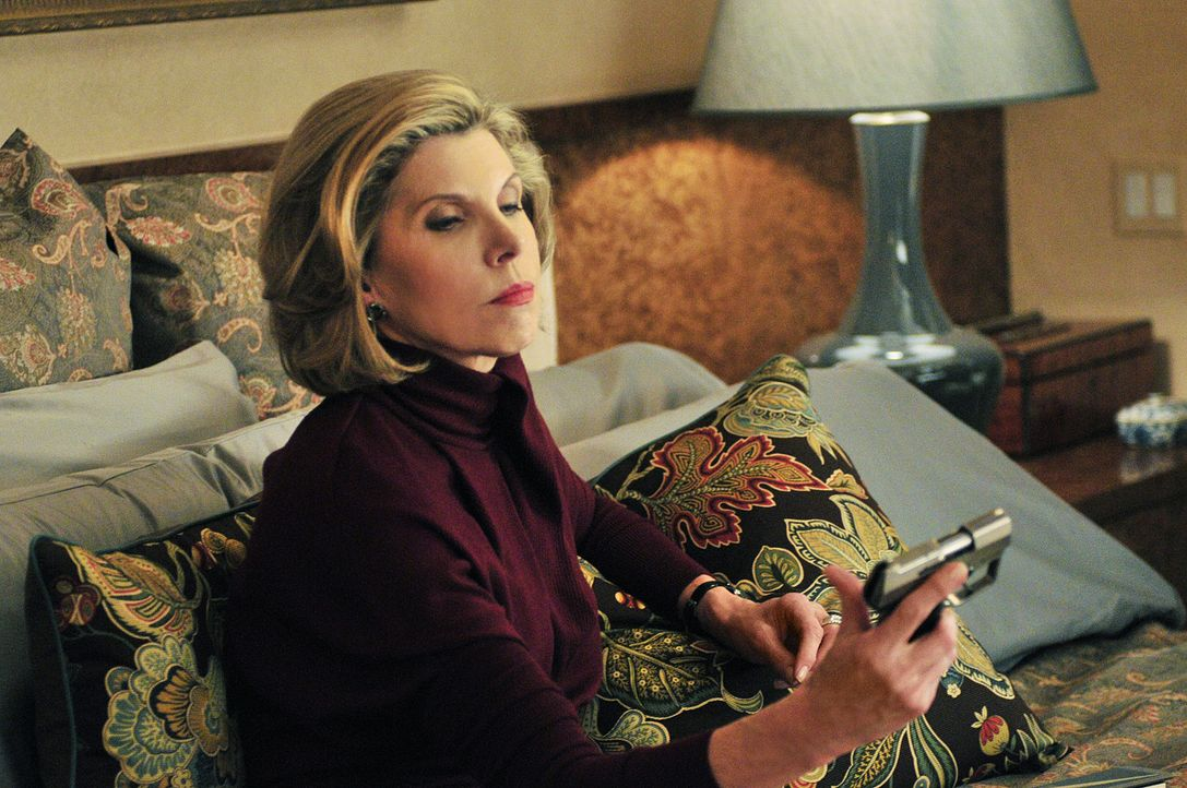 Ein Straftäter, den Diane Lockhart (Christine Baranski) vor Jahren hinter Gitter gebracht hat, ist wieder auf freiem Fuß, weshalb sie überlegt, s... - Bildquelle: CBS Studios Inc. All Rights Reserved.