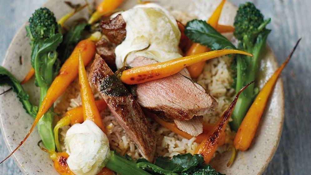 Leichte Sommerküche Jamie Oliver : Schweinefilet und apfelsauce rezept von jamie oliver
