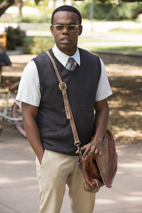 Chidi (William Jackson Harper) hat mit einem schlechten Gewissen zu kämpfen. Er findet es nicht moralisch richtig, dass Michael die ganze Schuld auf... - Bildquelle: 2016 Universal Television LLC. ALL RIGHTS RESERVED.