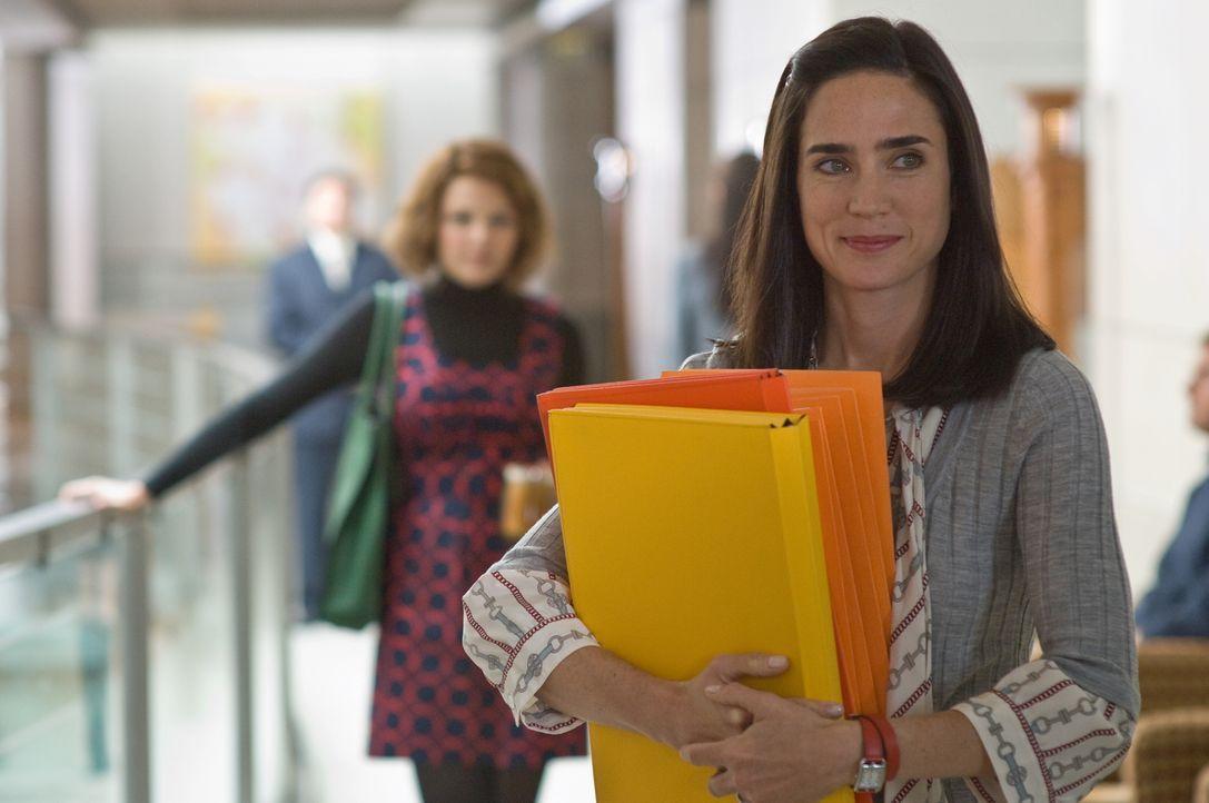 Nachdem Janine (Jennifer Connelly, vorne)  mehrere Lügen ihres Ehemanns Bens aufdeckt, schmeißt sie ihn raus und reicht die Scheidung ein. Sie begin... - Bildquelle: Warner Brother