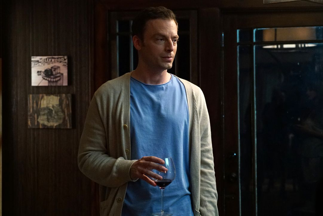 Als Rob (Justin Kirk) sich Gretchen nach ein paar Gläschen Wein öffnet und ihr all seine Zweifel an seiner scheinbar perfekten Welt aufzeigt, bricht... - Bildquelle: 2015 Fox and its related entities.  All rights reserved.