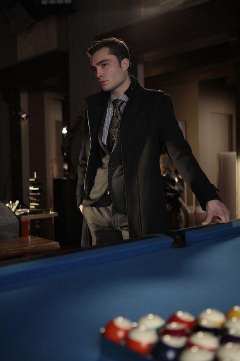 Chuck (Ed Westwick) trifft sich mit seinem Cousin, weil er sein Hotel zurück will. - Bildquelle: Warner Brothers