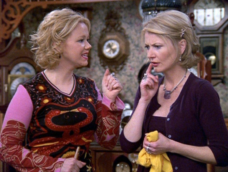 Zelda (Beth Broderick, r.) und Hilda (Caroline Rhea, l.) überlegen, wie sie dem Gemeinwohl am besten dienen können ... - Bildquelle: Paramount Pictures