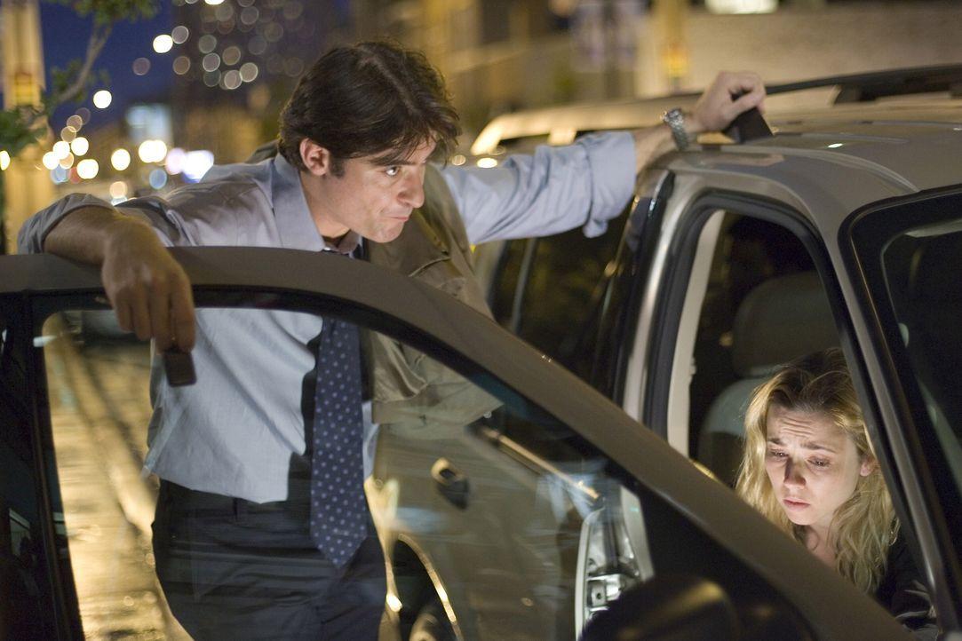 Nachdem Sams Sohn Alex weggelaufen ist, um sich per Autostop zu seinem mittlerweile in Canon City lebenden Vater durchzuschlagen, haben Sam (Linda C... - Bildquelle: Warner Bros. Television